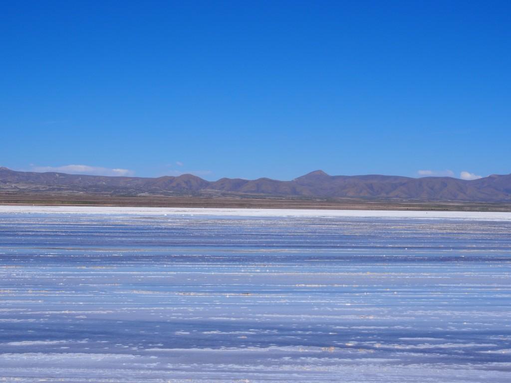 ウユニ塩湖鏡
