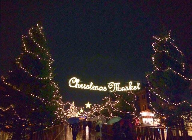 横浜赤レンガ倉庫のクリスマスマーケット2014。冬の花火にスケートに、イベントが目白押し!