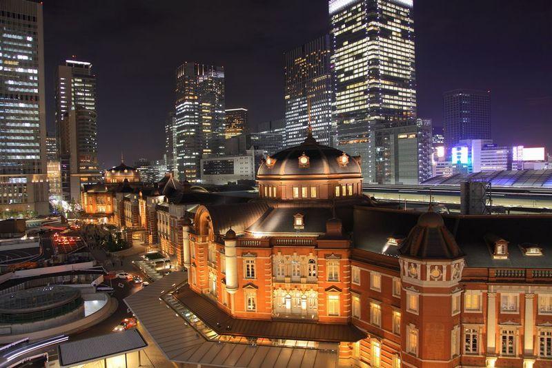 KITTEから見た東京駅の夜景