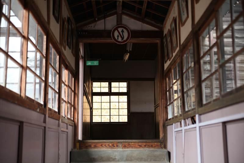 旧上岡小学校 渡り廊下