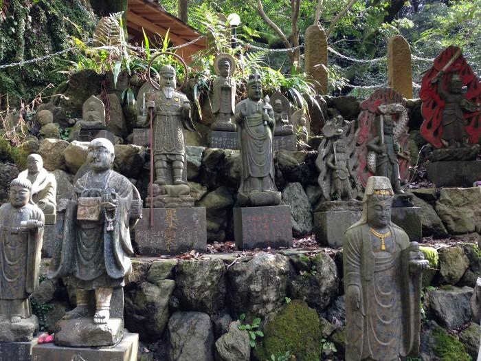 たくさんの像