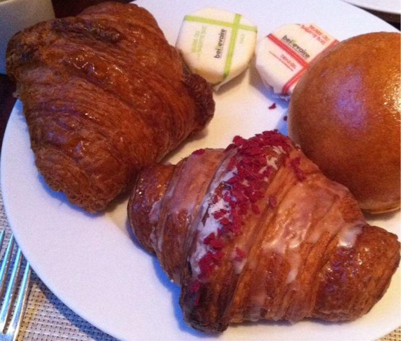 【パリ】ピエール・エルメ 世界一のクロワッサンの食べ放題に行ってきました!