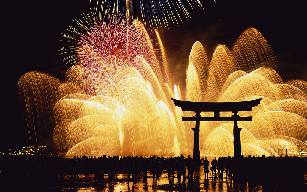 厳島神社 花火