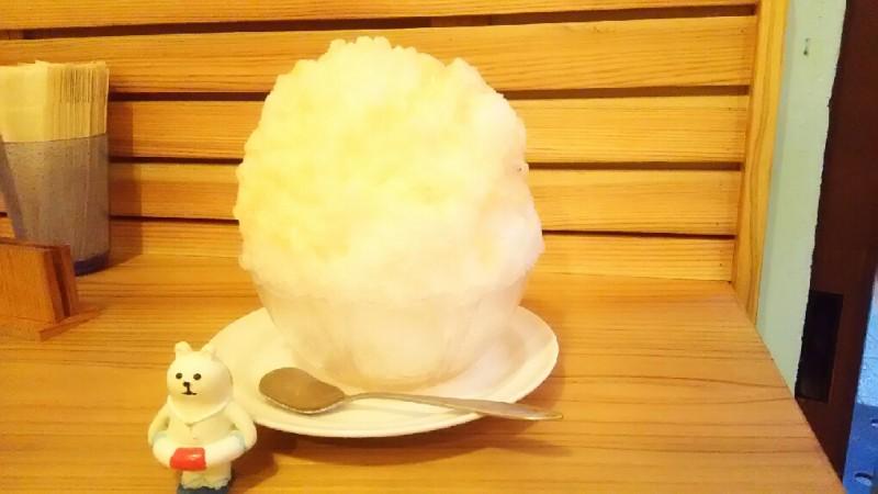 桃のかき氷。 (twitterで営業時間を更新します)