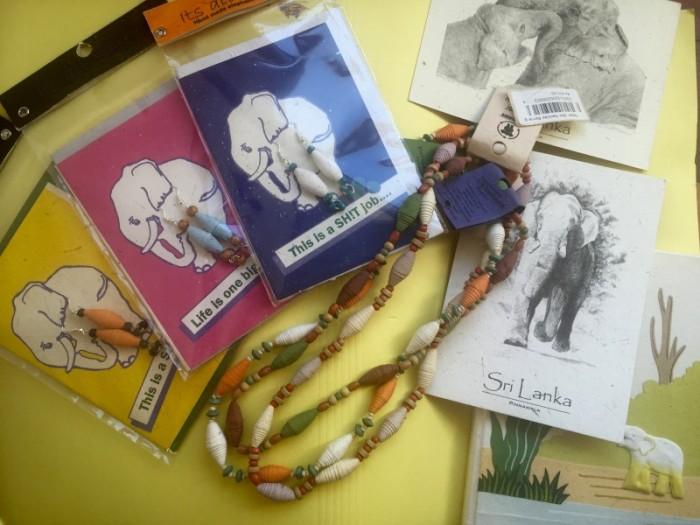 象のウンチから生まれた商品