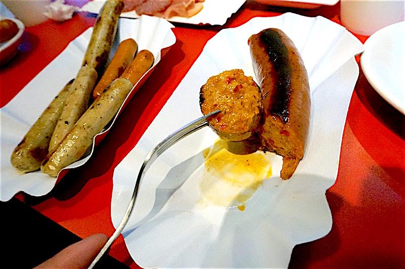 ソーセージ食べ放題『インビスハライコ』レポート! ドイツ直輸入の本格派!
