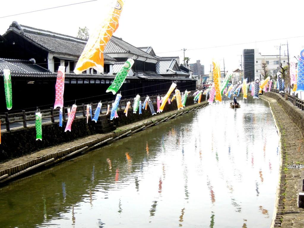 小江戸に1,000匹の鯉が出現! 美しい歌声とともに遊覧船でめぐる
