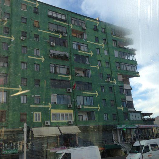 ティラナの建物