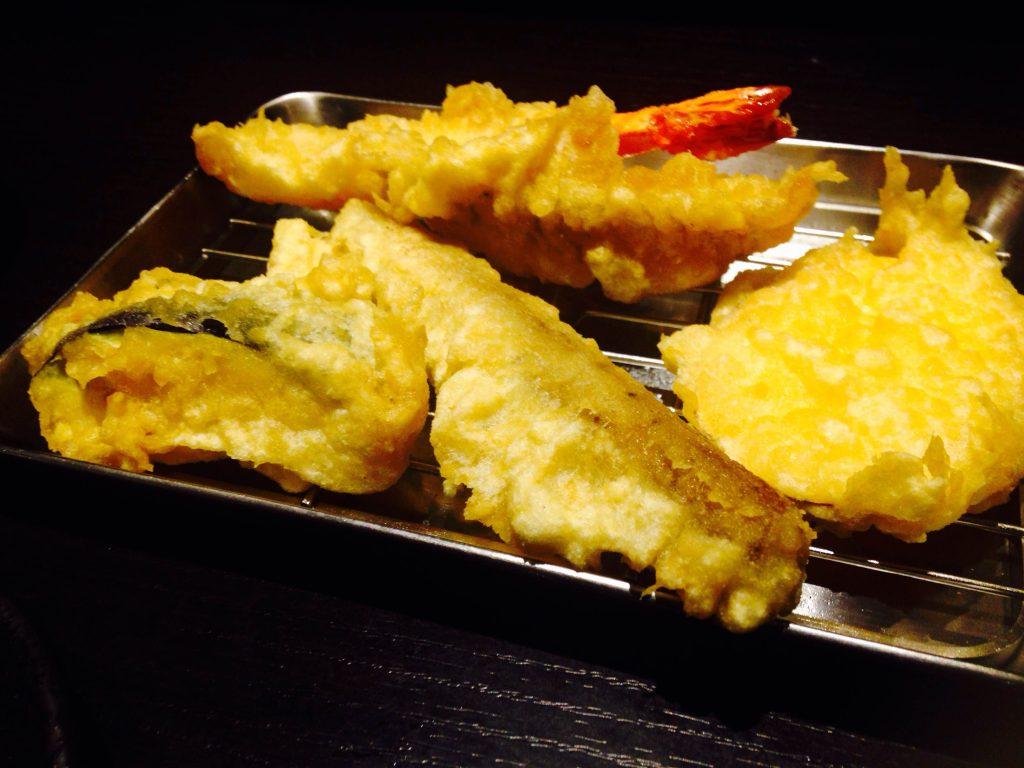 北千住で天ぷら食べ放題! サックサクの全24種を完全制覇してきた!