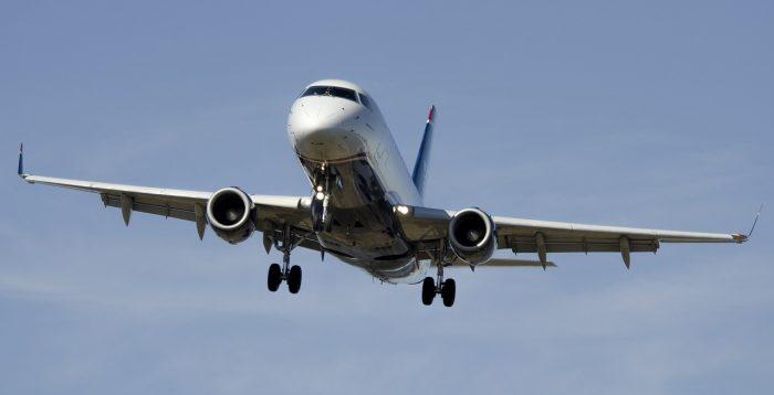 airplane-1554870_1280