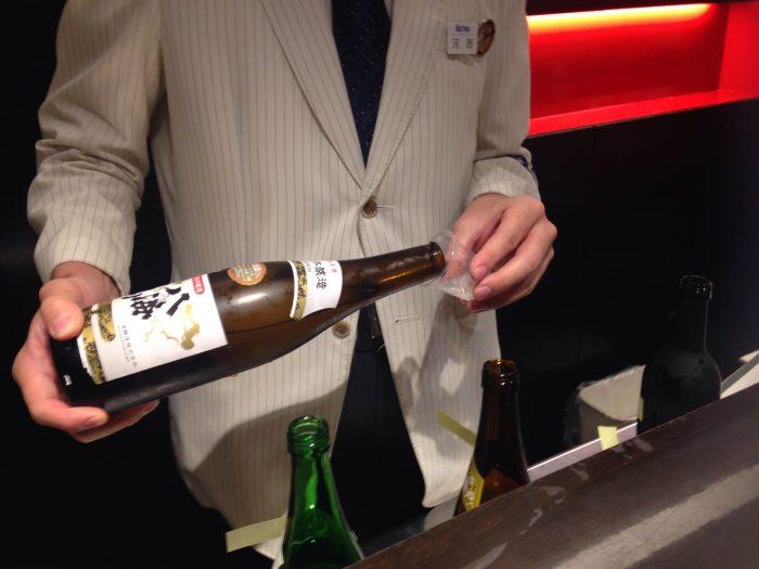 オススメの日本酒をテイスティングさせてもらえます!