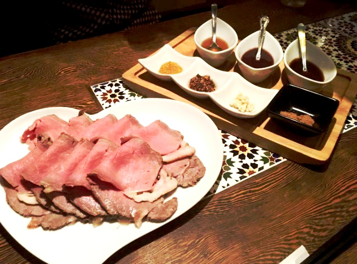 新宿「アラビアンロック」はただのローストビーフ食べ放題ではなかった!