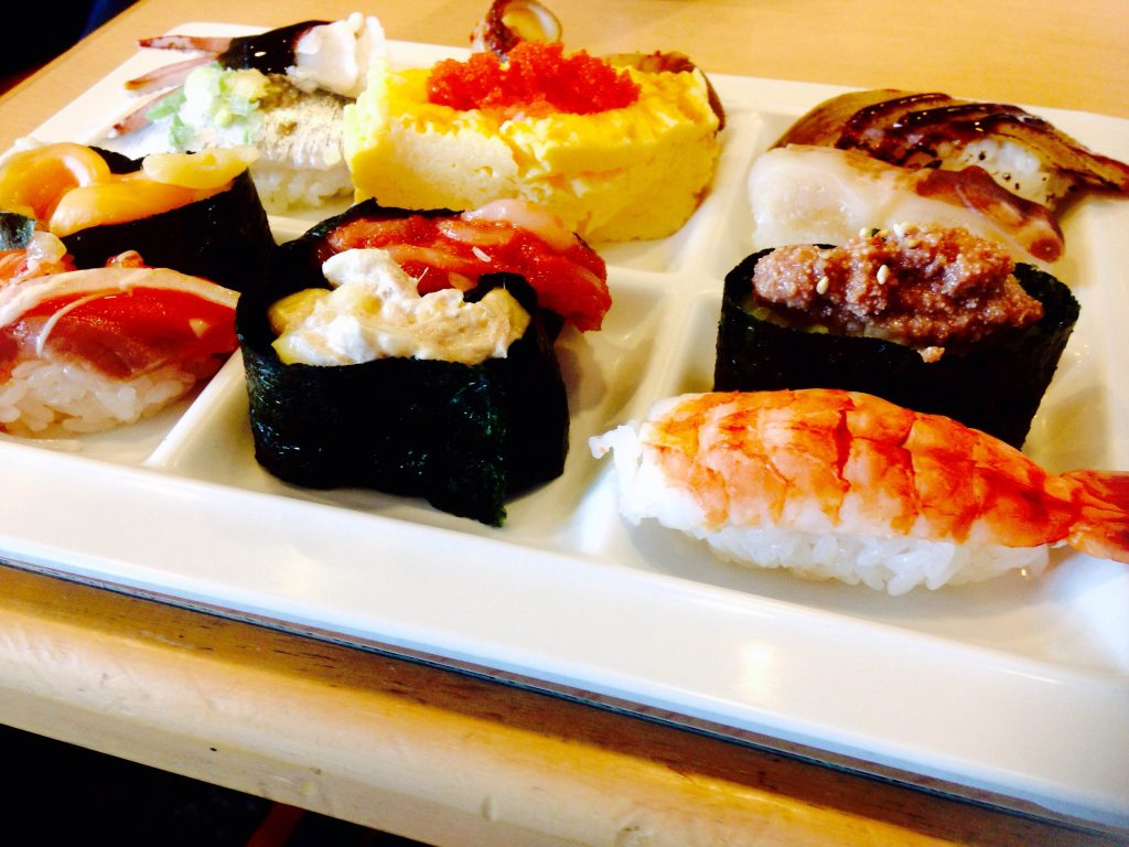 池上会館「MOM's(マムズ)」で寿司食べ放題! たったの1,620円、その実力は…?