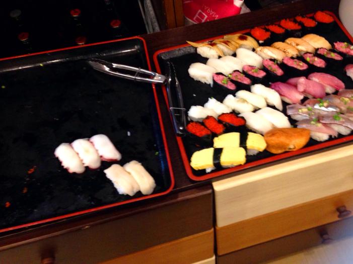 週末限定のお寿司食べ放題ネタ。10種類以上あります!