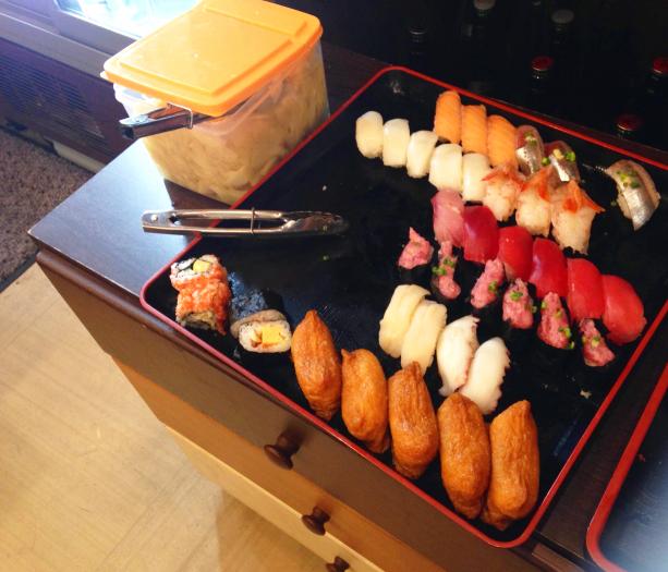 週末限定のお寿司食べ放題ネタ。巻物もあります!
