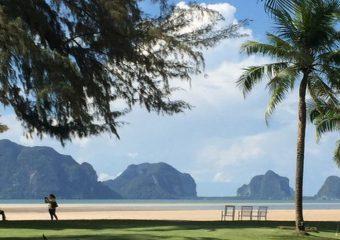 クラビ 石灰岩の見えるビーチ