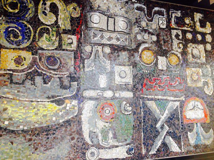 寺田倉庫社屋の壁画