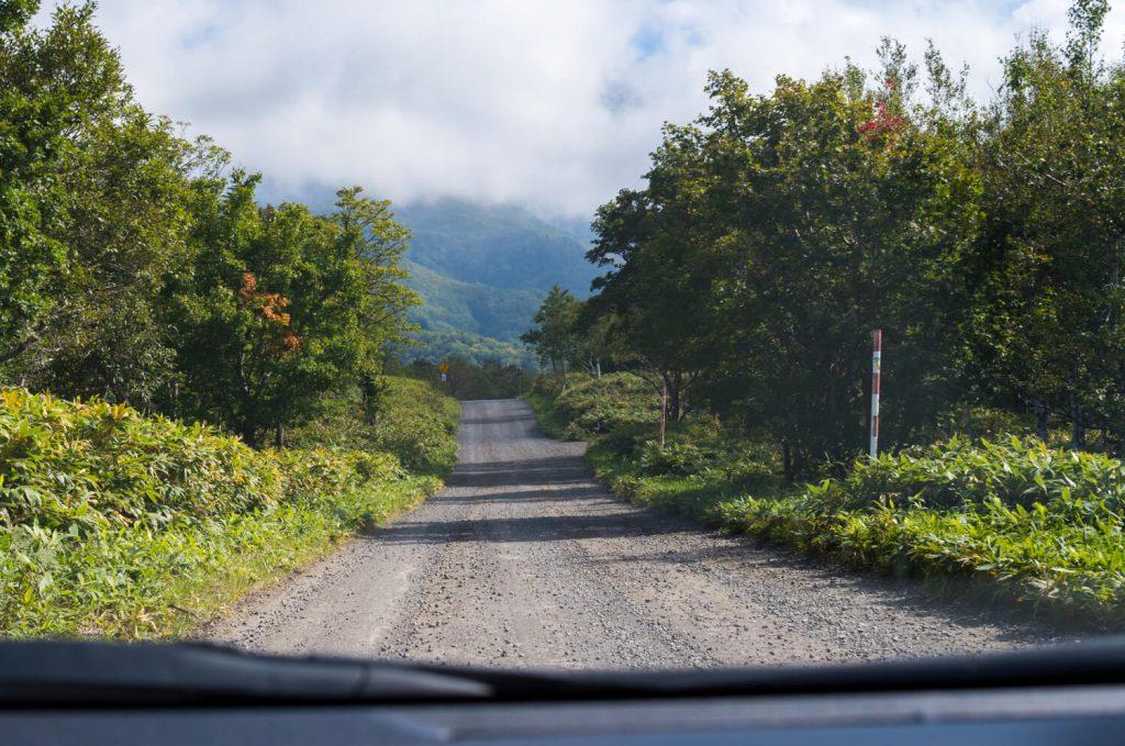カムイワッカ湯の滝への道