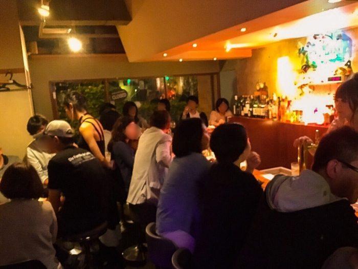 新宿2丁目「マスカレードカフェ」店内