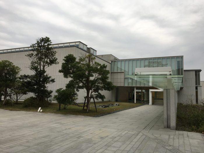 神奈川県近代美術館