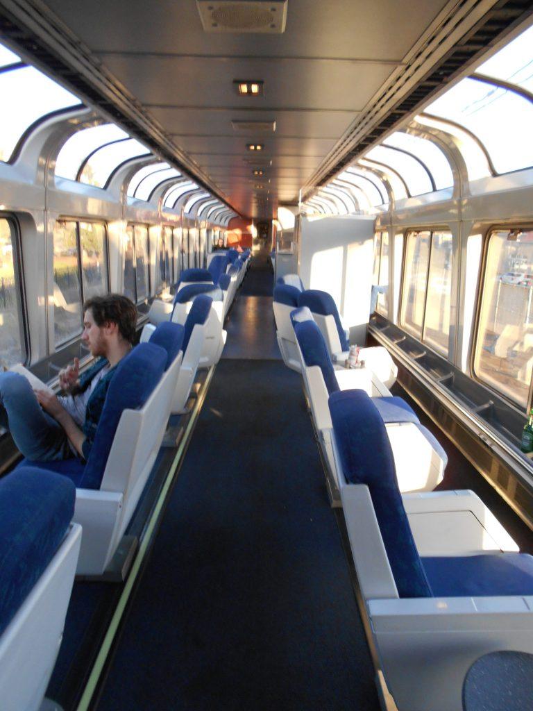 わざわざ列車で旅をする楽しさが...