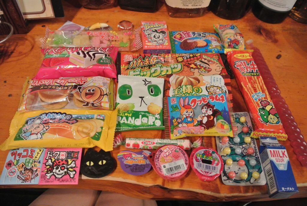 えっ、駄菓子食べ放題!?「駄菓子バー」で元はとれるのか…!?