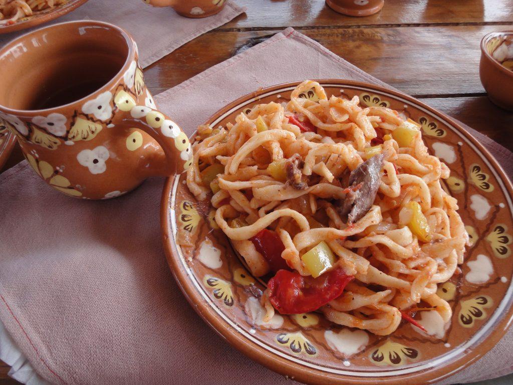 料理 ウズベキスタン 【ウズベキスタン料理】現地で食べたおいしすぎるウズベクごはんを紹介するよ