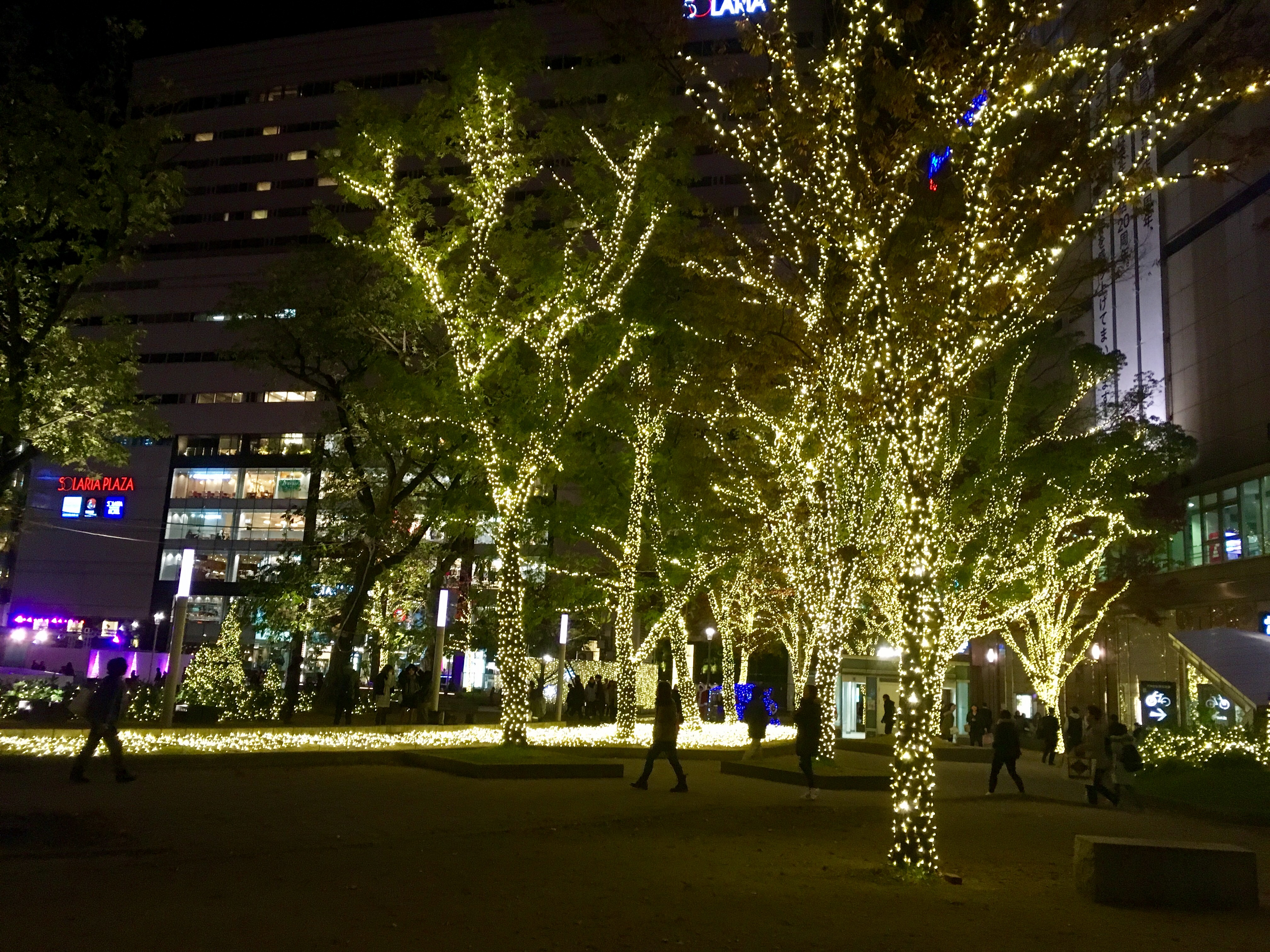 ヒカリスクエア警固公園ライトアップ