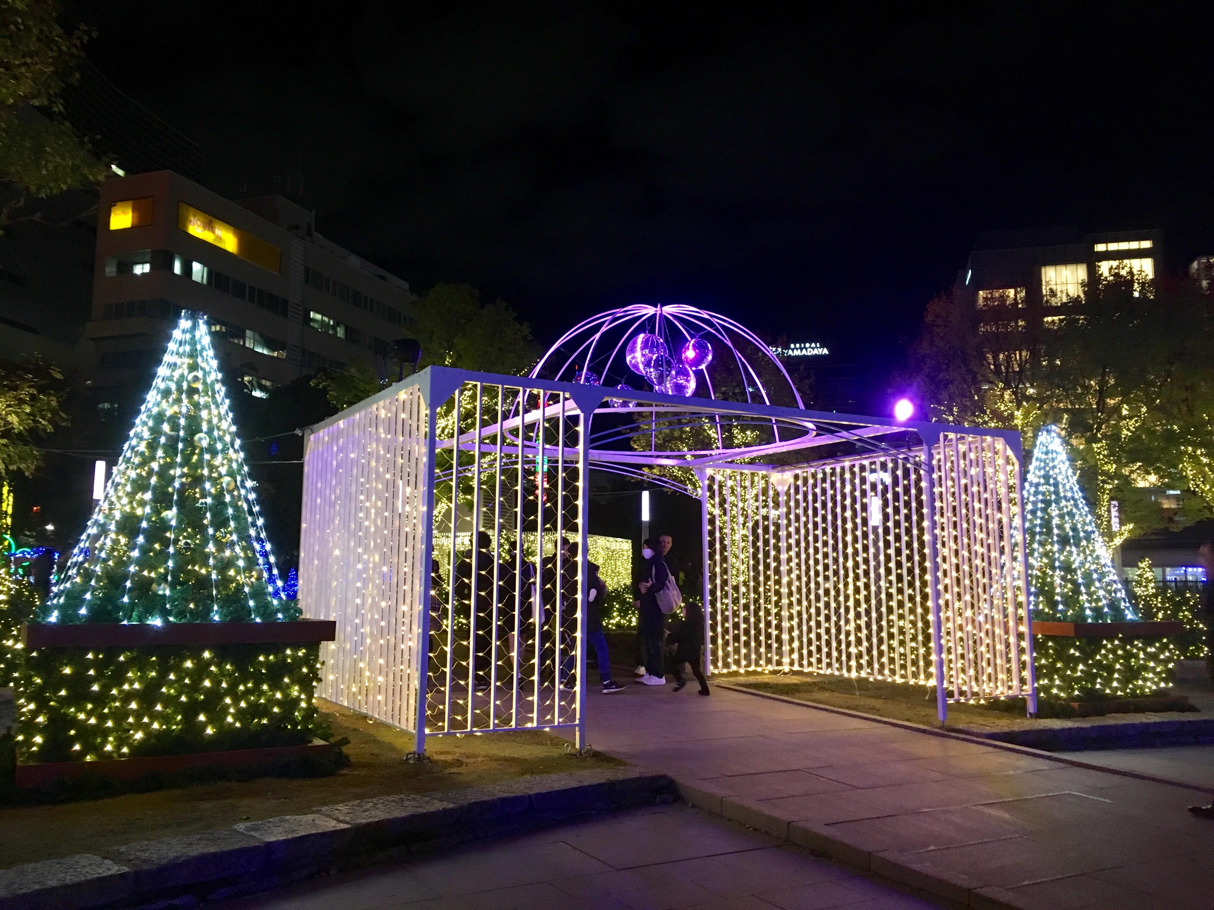 ヒカリスクエア警固公園ライトアップ中央