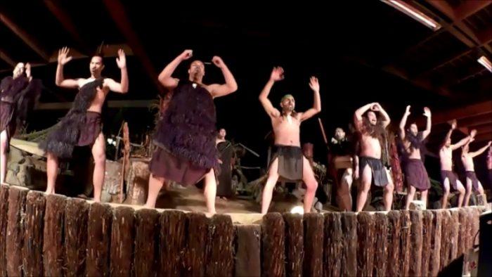 マオリ族の戦闘舞踊「ハカ」。この写真は別の場所で撮ったハカ。