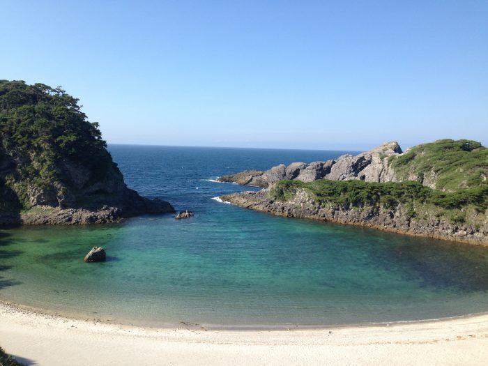 式根島 泊海岸