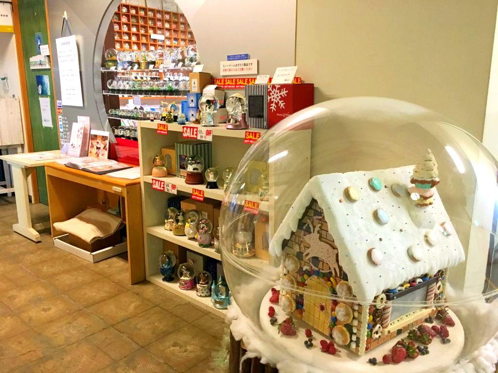 「スノードーム美術館」でロマンチックなクリスマスプレゼントを探してきた!