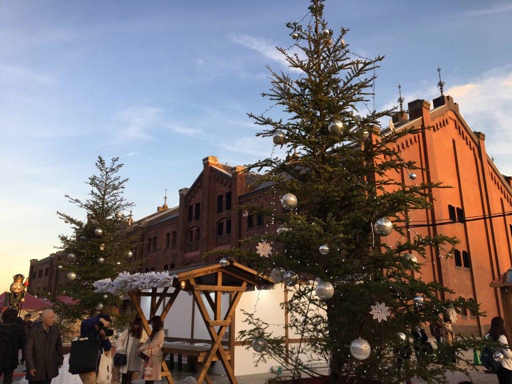 「横浜赤レンガ倉庫」2016年のクリスマスは、本物の雪が降るファンタジーの世界だった