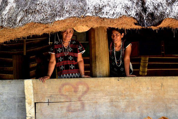 カトゥー族の女性たち