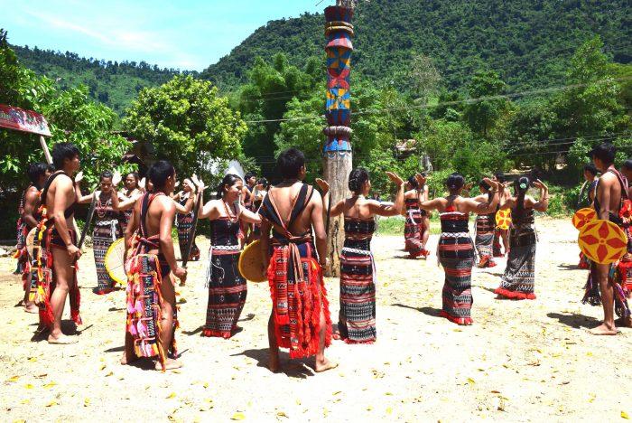 カトゥー族ウェルカムダンス