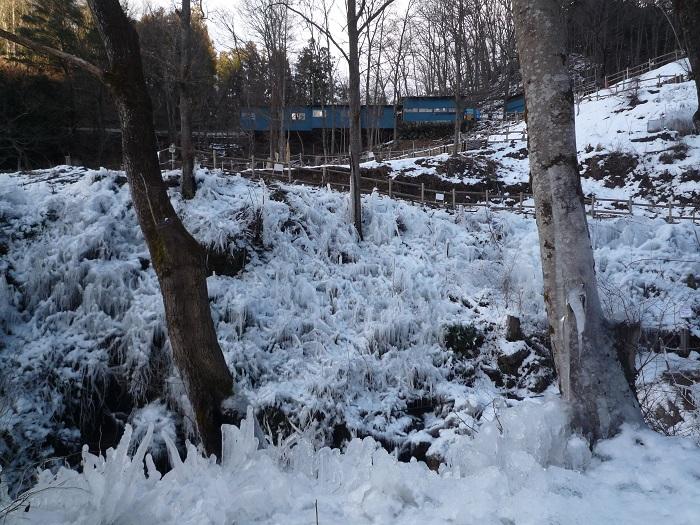 ●21【あしがくぼ氷柱-156雪景色】●(700px) P1140822