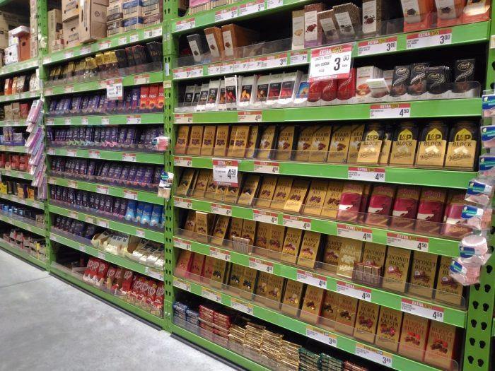 NZのスーパーのチョコレートコーナー