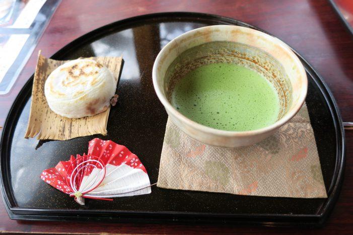 岩井屋 いわい餅と抹茶
