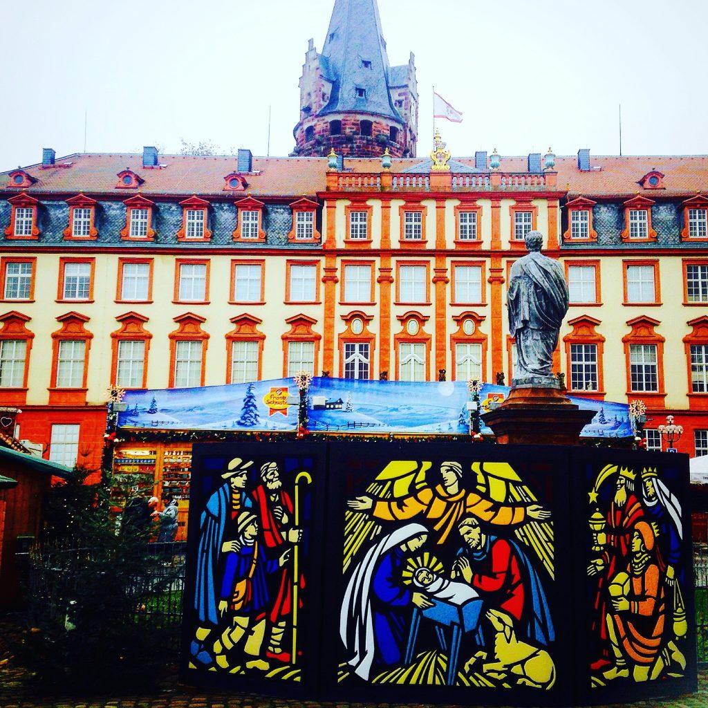 ドイツのクラフトマンシップが息づく「エアバッハ」「エバーバッハ」の街とは。
