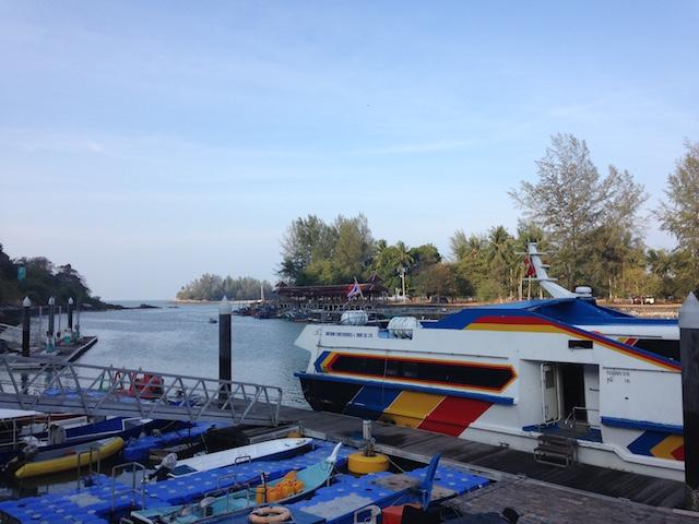 リベ島へ行くボート