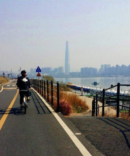 韓国ソウルでサイクリング