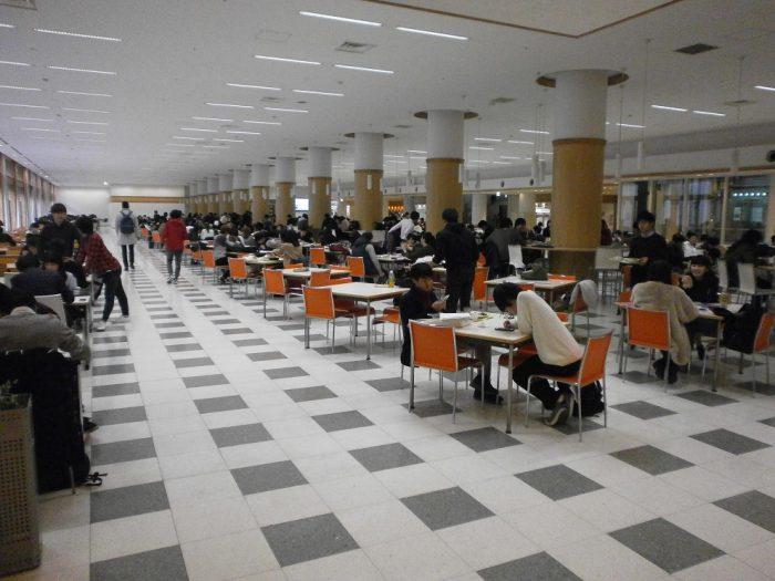 大学の学食