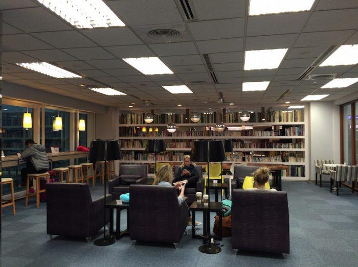 TPE T2図書室3