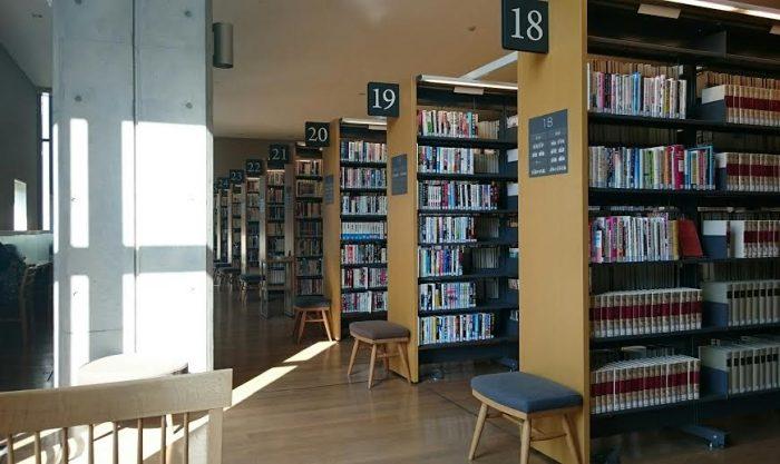 図書館内部