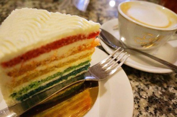 レインボーケーキ、味は虚無。美食の国・マルタ共和国でその深みを味わう方法