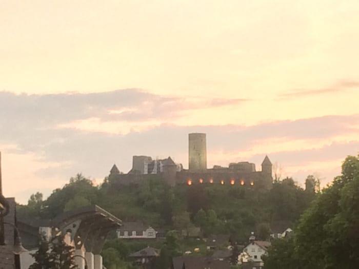 ニュル 城