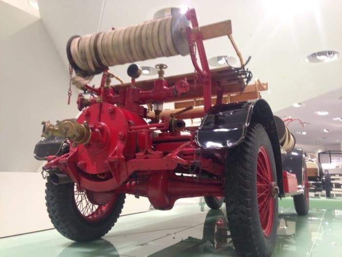 ポルシェ 消防車