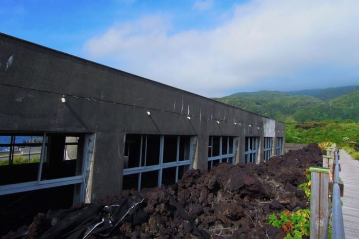 三宅島, 廃墟, 阿古中学校