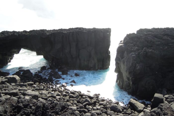三宅島, メガネ岩