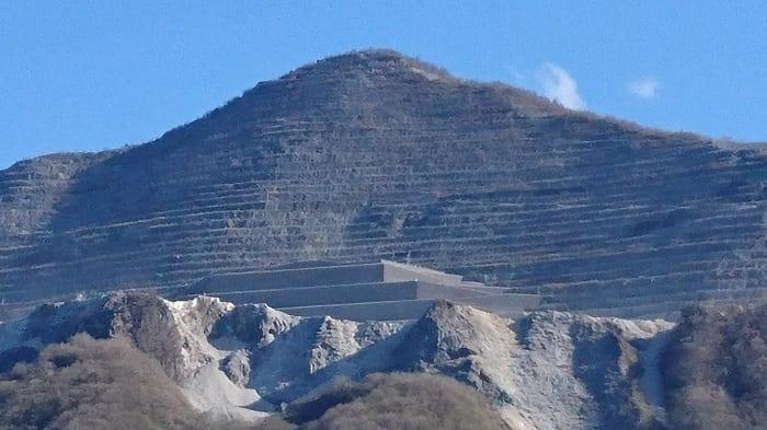 これが埼玉のピラミッドだ!秩父の「謎の構造物」の正体を追って